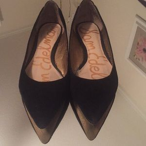 Size 6 pointed toe flats